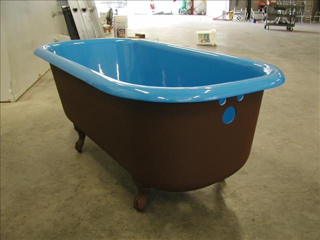 Old Fashioned Bath Tub
